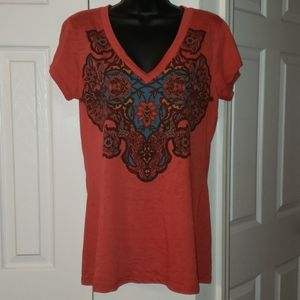Maurices v-neck pattern tee shirt top EUC